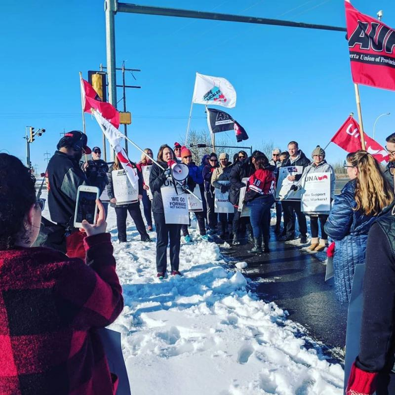 AUPE members rally at Devon Hospital